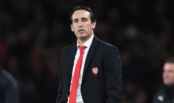 sports-arsenal-sacks-head-coach