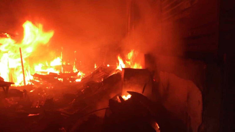 hoodlums-set-ebonyi-state-police-station-ablaze